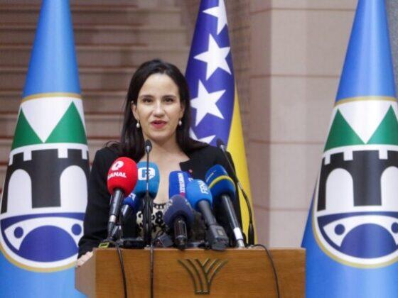 Ovo je biografija nove gradonačelnice Sarajeva Benjamine Karić