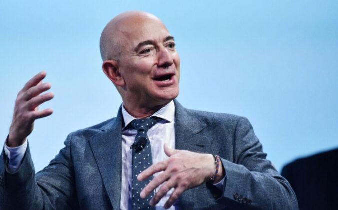 Džef Bezos u svemir vodi 82-godišnju ženu