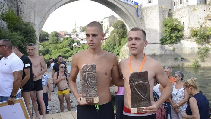 BiH: Dragan Milovanović i Emil Tiro pobjednici skokova sa Starog mosta