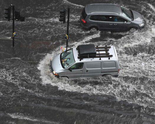 Poplave i u Londonu: Ceste i podzemne stanice pod vodom