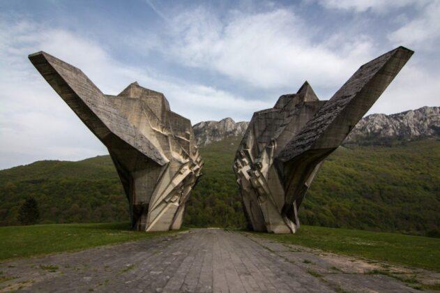 Posjetite Tjentište i Spomenik Bitke na Sutjesci