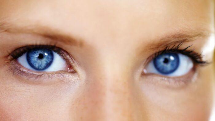 5 stvari koje možete naučiti o nekome gledajući ih u oči