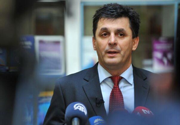 Prof. dr. Lavić: Intelektualci, Vučić i SPC vode specijalan, strašan rat protiv BiH